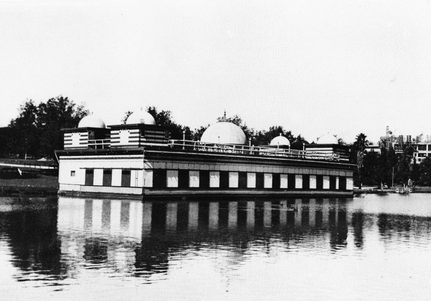 The Palais de Danse on the River Torrens in 1927.