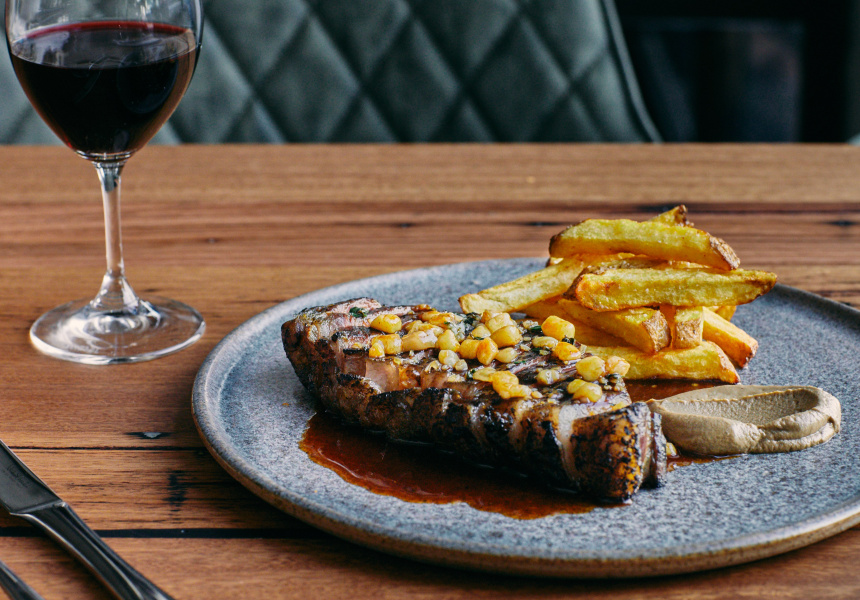 Aged sirloin, chips and sauce Bordelaise