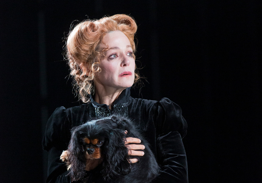 Caroline Brazier in STC's Mary Stuart, 2019.
