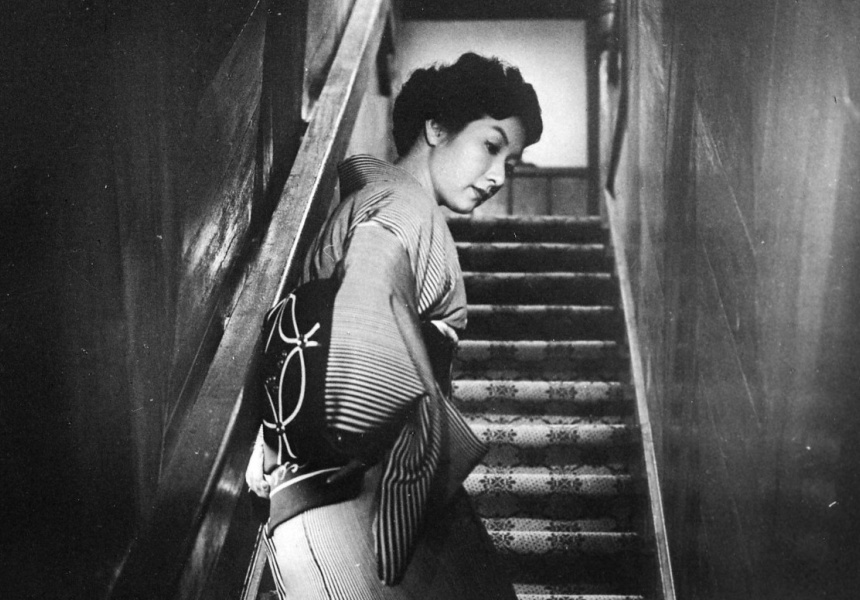When a Woman Ascends the Stairs (Image Courtesy of Toho Co., Ltd.)
