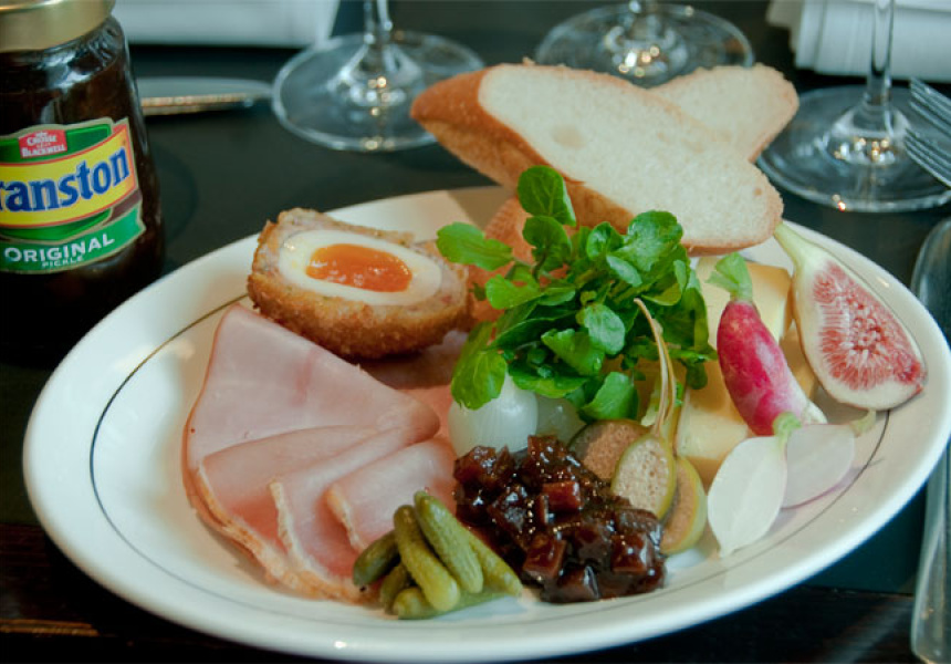 Ploughman's Lunch at the Middle Park Hotel