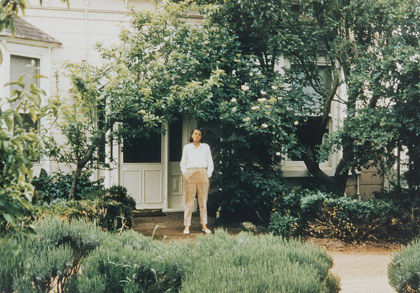 Albert Tucker  Sunday Reed at the front door of Heide I  c.1965   type C photograph  24.5 x 36.7 cm   Heide Museum of Modern Art, Melbourne  Gift of Barbara Tucker 2001   © Estate of Barbara Tucker