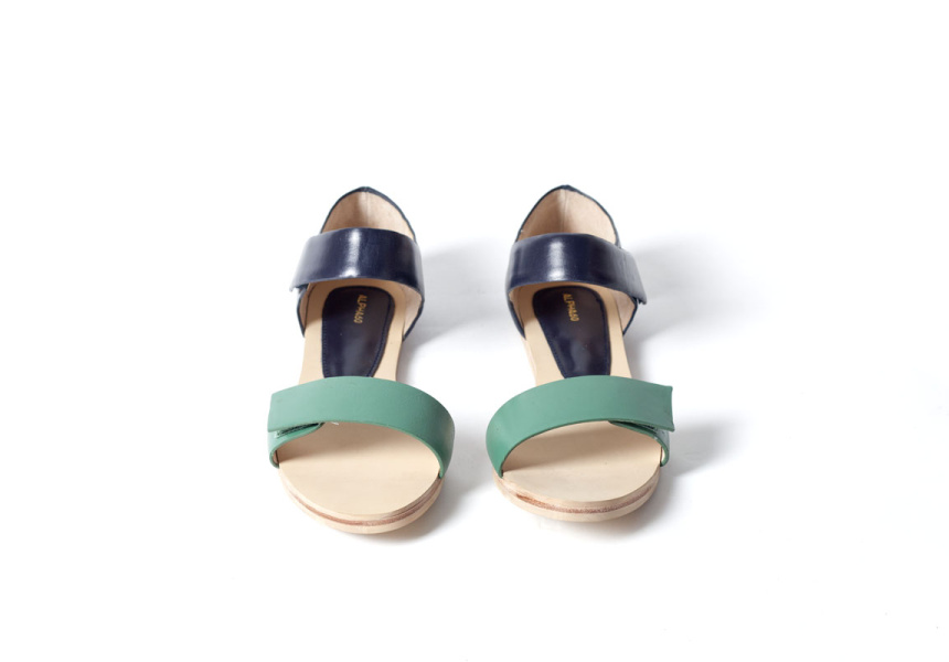 Alpha60, Poppy Flat Sandal, Green/Navy