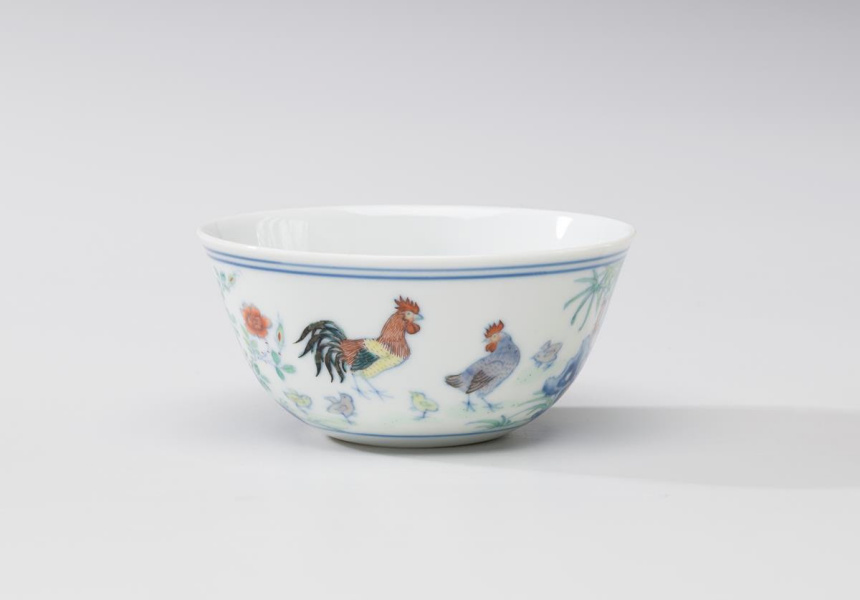 Qing dynasty, Yongzheng–Qianlong periods (c1725–50) Chicken cup, porcelain with underglaze blue and doucai overglaze enamels, 3.8 x 8.1 cm Art Gallery of New South Wales, gift of Mr JH Myrtle 1992