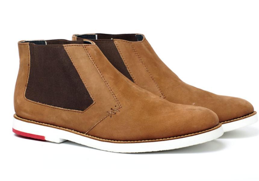 Meandher Ridgeback brown slip-on boot.