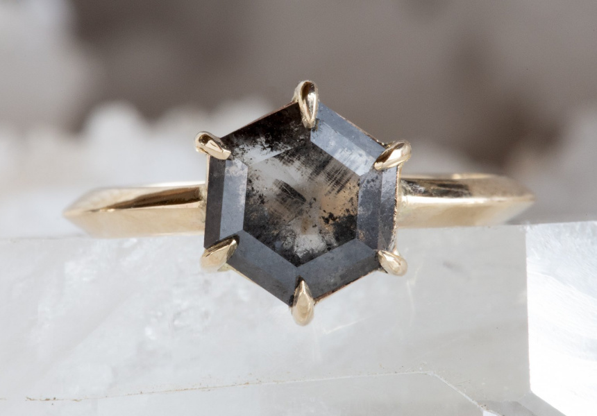 Alexis Russel salt-and-pepper ring