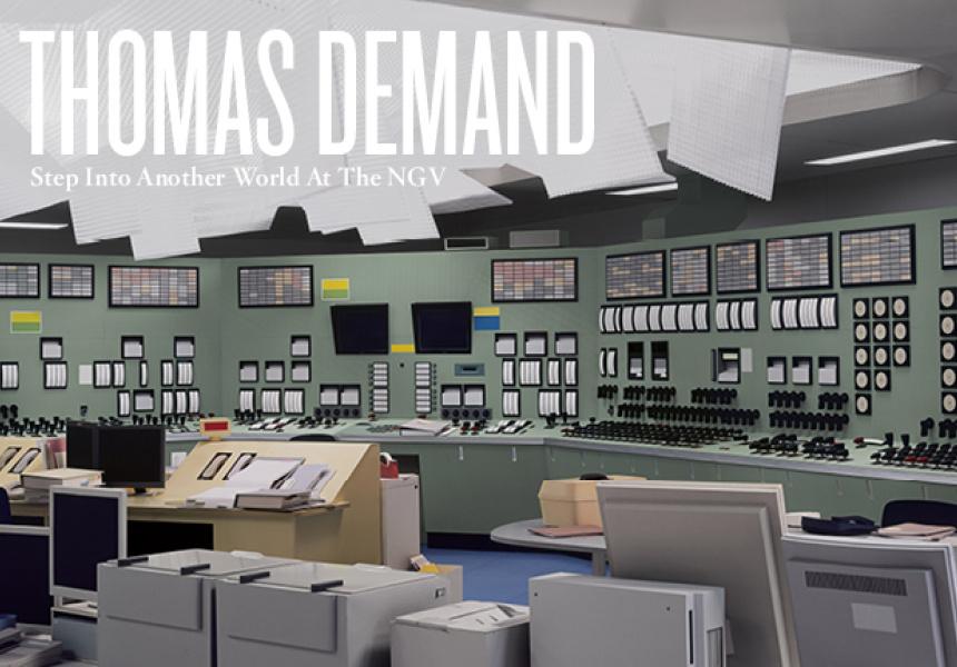 Kontrollraum / Control Room 2011 C-Print / Perspex