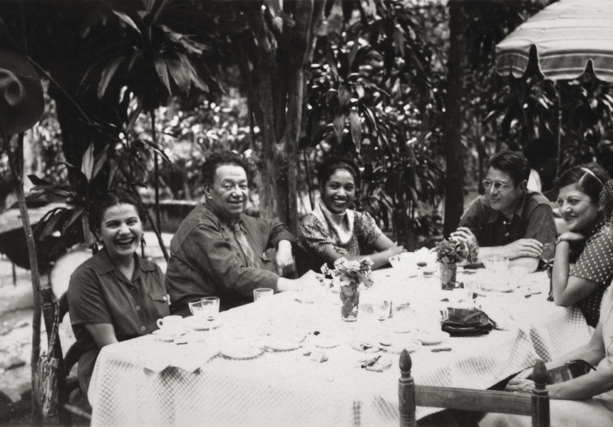 Frida and Diego with friends (detail), Anonymous, ca. 1945 © Frida Kahlo Museum