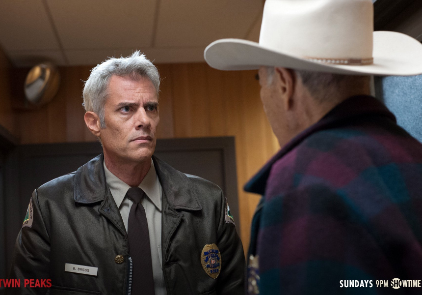 Dana Ashbrook as Bobby Briggs with Robert Forster as Sheriff Frank Truman