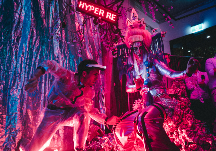 Hyper Real curator and guide  ØFF€RÎNGS