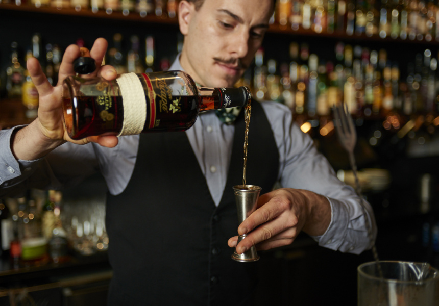 Orlando Marzo at Eue de Vie makes his Old Fashioned recipe.