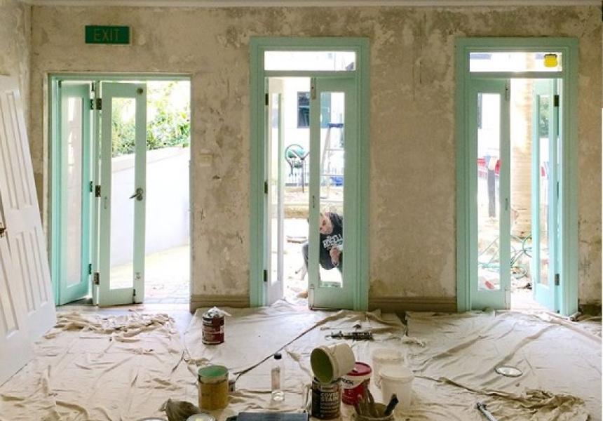 Oratnek under construction