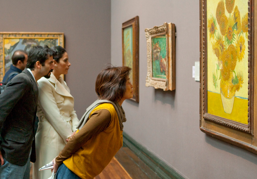 Installation view: Vincent van Gogh. Sunflowers. 1888. © The National Gallery, London.