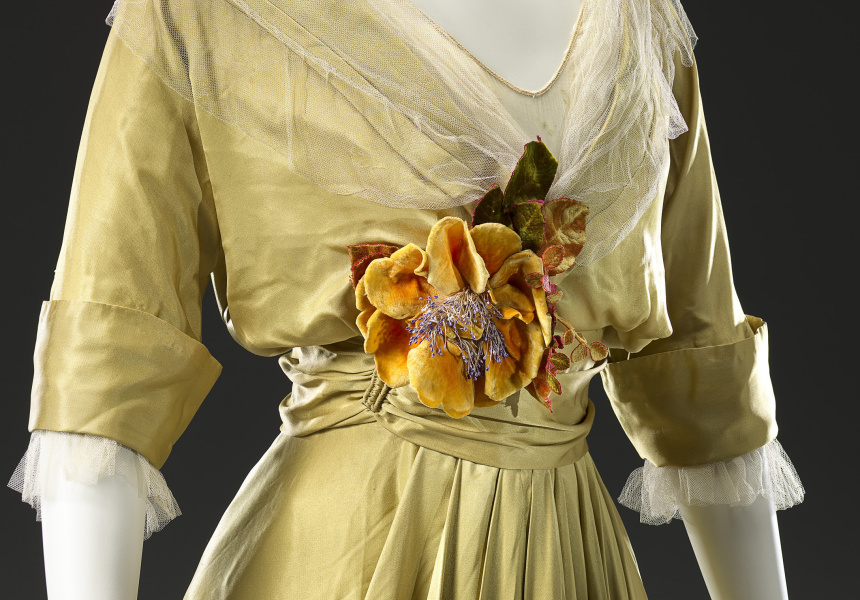 Ch. Drecoll, Paris (couture house) Maguerite de Wagner (director) Ernest de Wagner (director) Dinner dress c. 1914 (detail) silk (satin, net, chiffon, velvet) (a) 29.0 cm (centre back) 34.3 cm (waist, flat) (bodice) (b) 112.0 cm (centre back) 32.5 cm (waist, flat) (skirt) National Gallery of Victoria, Melbourne The Dominique Sirop Collection. Purchased with funds donated by Mrs Krystyna Campbell-Pretty in memory of Mr Harold Campbell-Pretty, 2015 (2015.625.a-b)