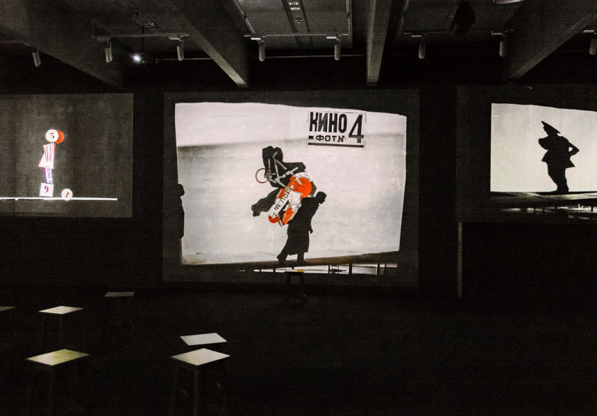 Installation view: William Kentridge: that which we do not remember featuring I am not me, the horse is not mine, 2008, Johannesburg, South Africa, eight   channel video installation; DV cam, HD video (colour, sound), 6:00 min; Gift of Anita and Luca Belgiorno-Nettis, 2017. Donated through the Australian Government's Cultural Gifts Program, Art Gallery of New South Wales, Sydney
