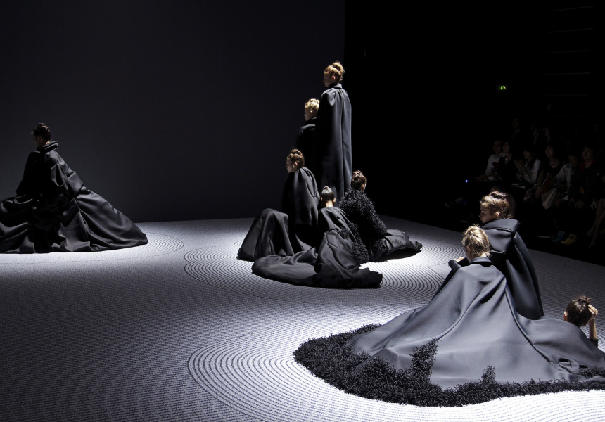 Viktor&Rolf  Zen Garden haute couture collection, autumn–winter 2013–14 photo © Team Peter Stigter