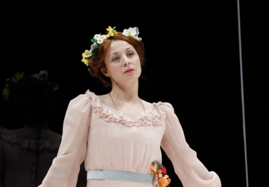 characters in hedda gabler vs miss julie Ibsen's hedda gabler and strindberg's miss julie are complex works which have been thoroughly analysed since they were written over one hundred years ago it would be.