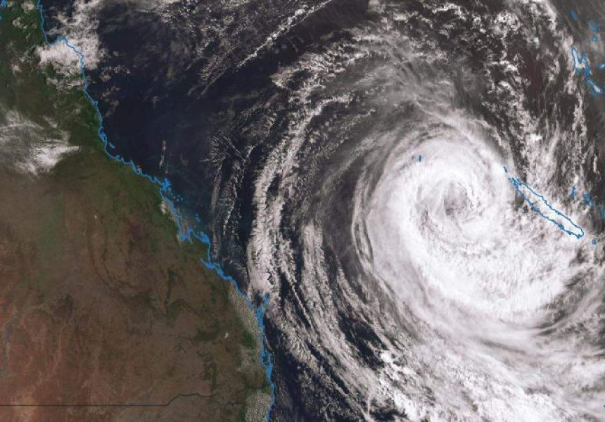 Severe weather warnings as Cyclone Oma threatens to batter QLD coastline