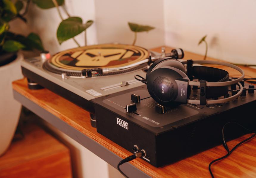 Counterweight Vinyl and Espresso