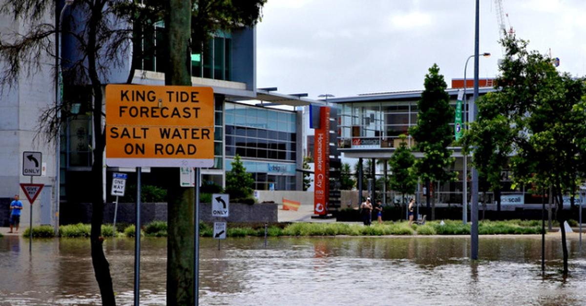 Brisbane at risk of flooding from king tide broadsheet for Bureau 2 metres